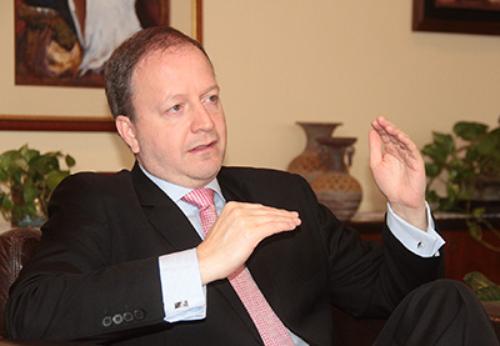 Carlos Fernández Valdovinos, Central bank governor Paraguay