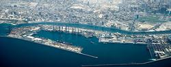 Dubai: Ties That Bind